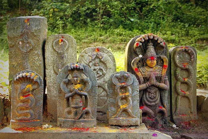 Esculturas de Nagas