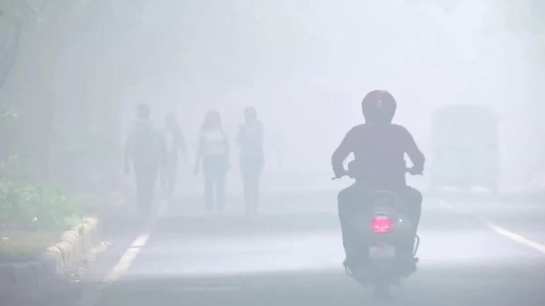 Nueva Delhi (India) se ha convertido en una «cámara de gas». Contaminación obliga a aviones a desviarse