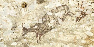El más antiguo arte rupestre de caza en Indonesia muestra seres «sobrenaturales»