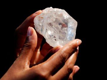 Diamantes a más de 600 kilómetros bajo la superficie podrían explicar misteriosos terremotos
