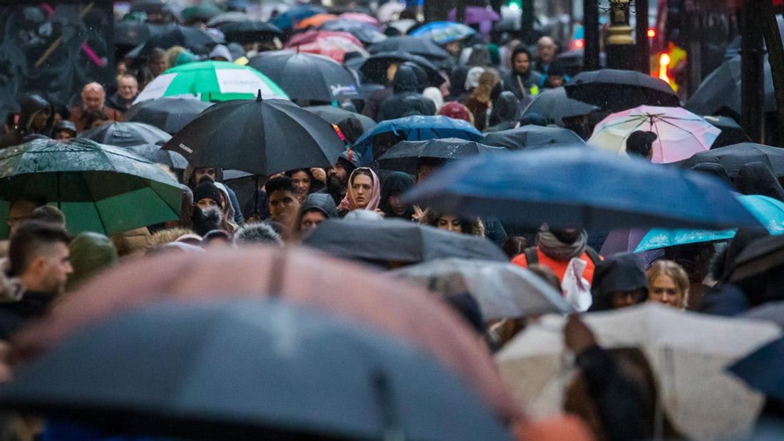 Confirmado: microplásticos están lloviendo sobre habitantes de las ciudades