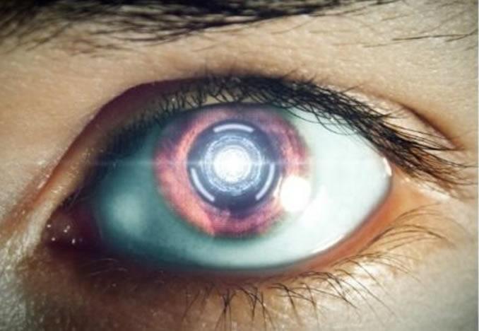 Adiós a los smartphones: lente de contacto inteligente con la que controlarás «todo»
