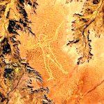 Misterioso geoglifo es fotografiado desde el espacio