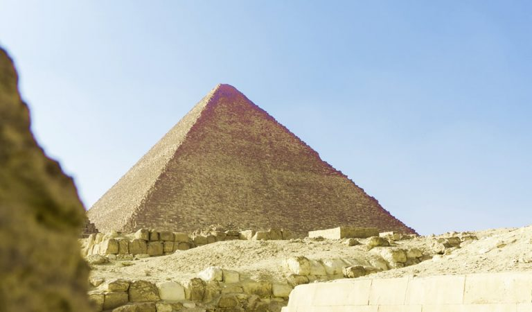 Científicos bombardearán Pirámide de Giza con rayos cósmicos para confirmar existencia de cámara oculta