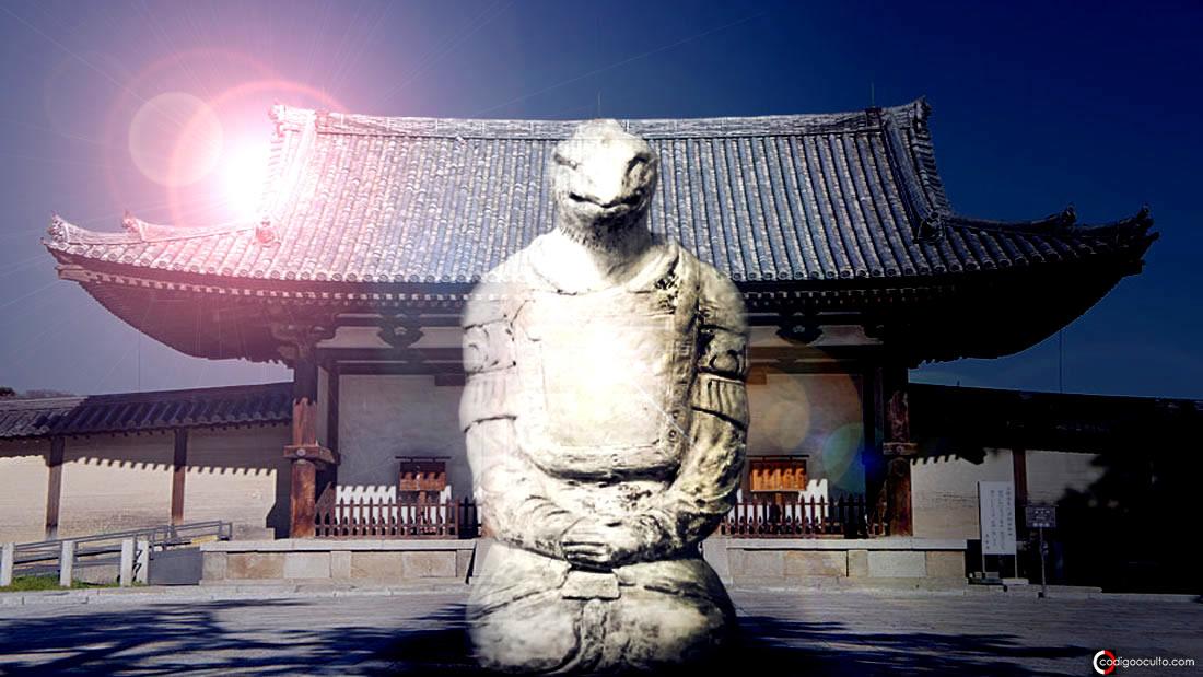 La estatua «reptil» del templo de Hōryū-ji Nara en Japón
