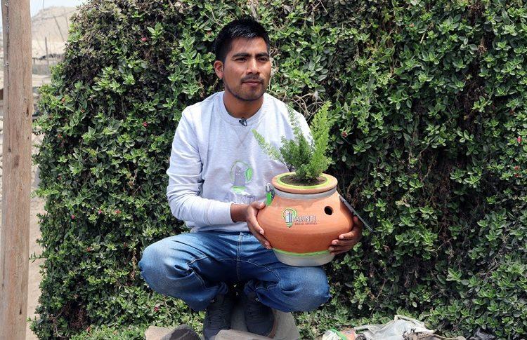 Joven inventor crea «Alinti», maceta que genera energía eléctrica a partir de las plantas