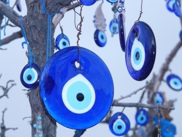 Aprende a protegerte contra el mal: el Gran Poder de los Amuletos