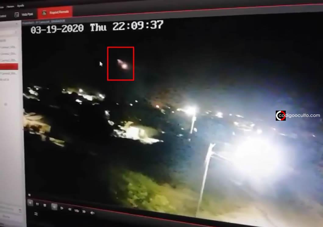 Policía de Colombia reporta avistamiento de un OVNI persiguiendo a otro (Vídeo)