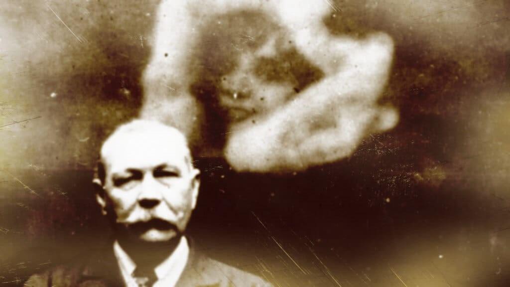 Las mejores fotografías de fantasmas en la historia: casos y explicación