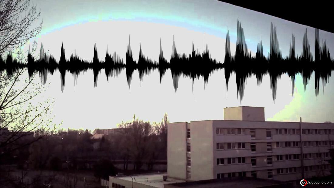 Miles reportan sonidos extraños, zumbidos y luces en el cielo en todo el mundo