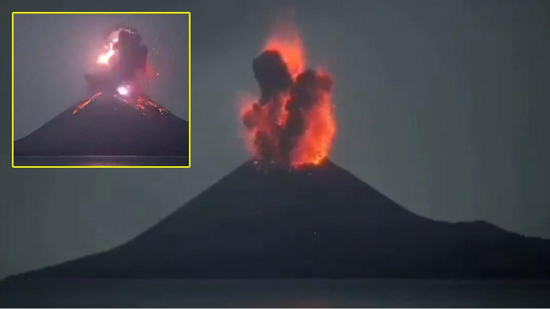 Volcán Krakatoa en Indonesia hace una GRAN erupción