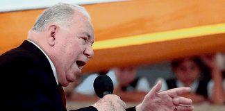 Pastor dice a sus fieles que «separen» parte de su dinero para el diezmo en plena pandemia