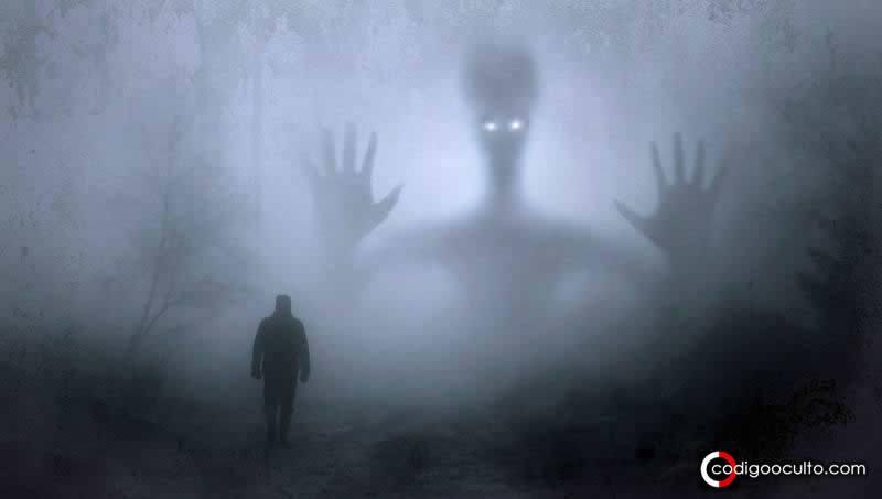 Dos hombres se enfrentaron a los «alienígenas» que los iban a abducir