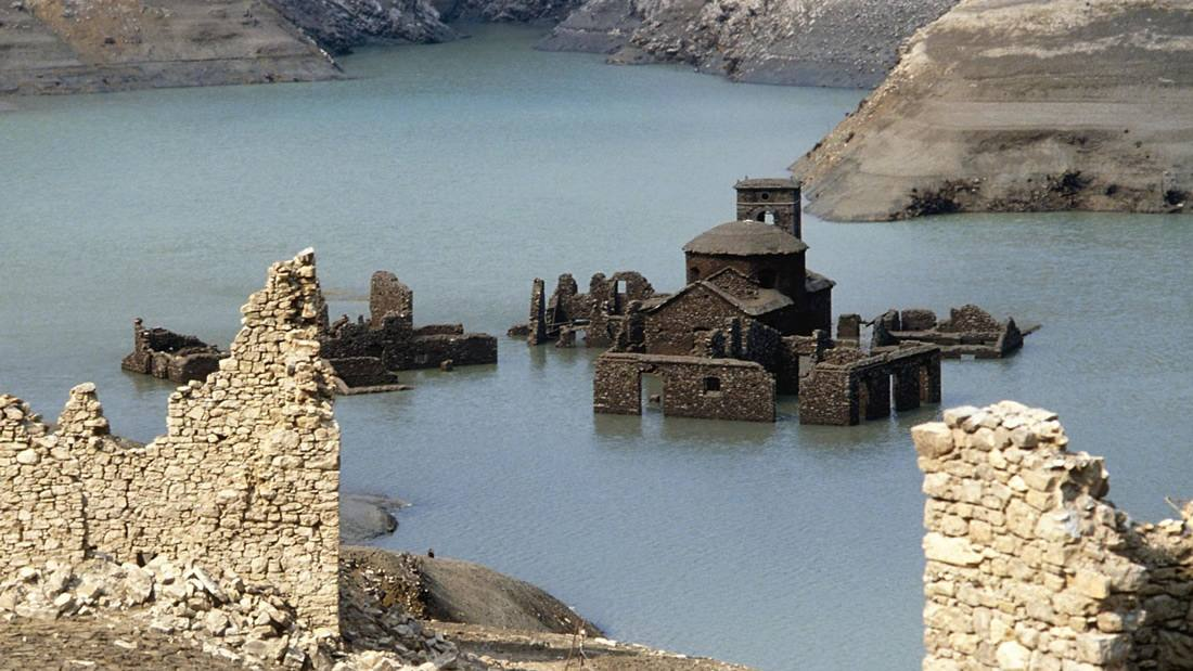 Un «pueblo fantasma» medieval subacuático podría emerger de las aguas el próximo año en Italia