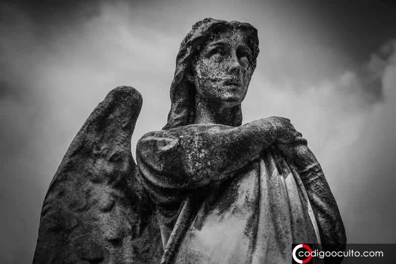 Enoquiano: el lenguaje olvidado para comunicarse con los «ángeles»