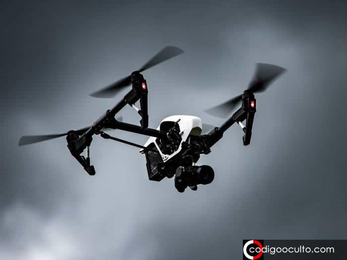 Misteriosos «drones» en EE.UU. volaron alrededor de una «nave nodriza», revelan documentos