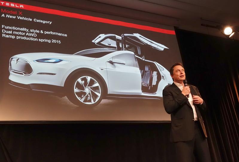 Empleado de Tesla rechaza 1 millón de dólares para permitir ciberataque ruso y facilita detención del atacante