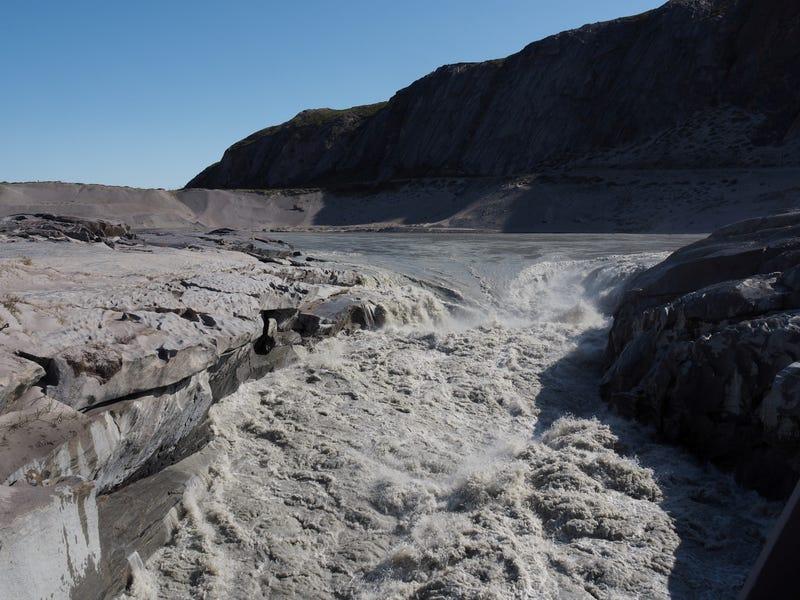 Capa de hielo que se derrite en Groenlandia ha «pasado el punto de no retorno», dicen científicos
