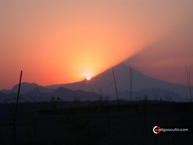 Extraños sonidos similares a turbina de avión son escuchados en el volcán Popocatépetl en México