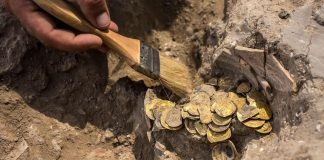 Hallan enorme tesoro de monedas de oro puro de 1.100 años en Israel