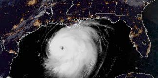 Huracán Laura se fortalece y se acerca a categoría 5