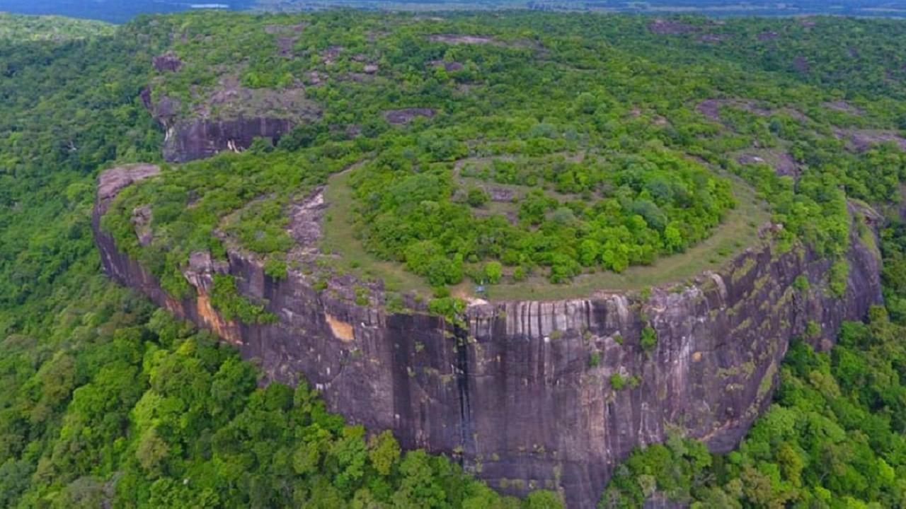 Hallan antiguo código astronómico en la «Montaña Alienígena» en Sri Lanka