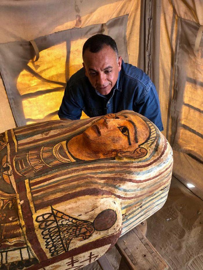 Hallan 14 nuevos sarcófagos egipcios totalmente sellados de hace 2.500 años