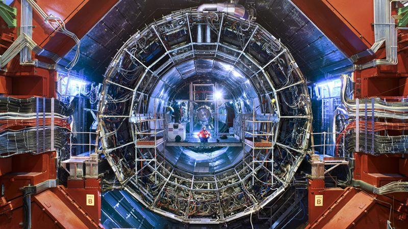 ¿Lograron los científicos del CERN entrar en un Universo Paralelo?