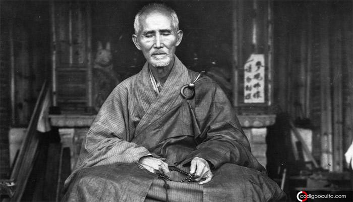 «Lámparas de sabiduría» Viejo monje budista relata un avistamiento OVNI en 1884