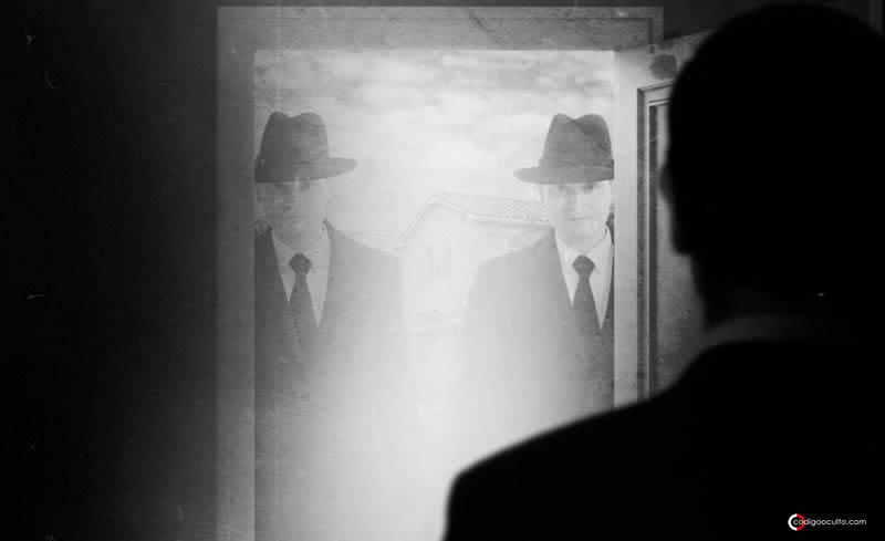 Hombres de Negro: «Fotógrafos fantasma» y avistamientos de Mothman (VÍDEO)