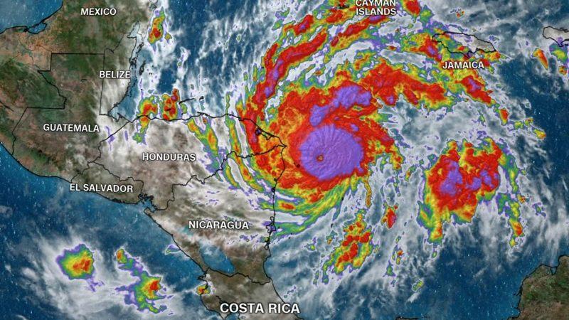 Huracán Eta (categoría 4) azota al Caribe Norte de Nicaragua con vientos catastróficos