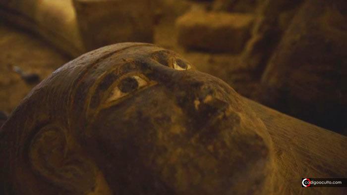 Algunos de los 160 sarcófagos desenterrados en Egipto fueron sellados con una «maldición»