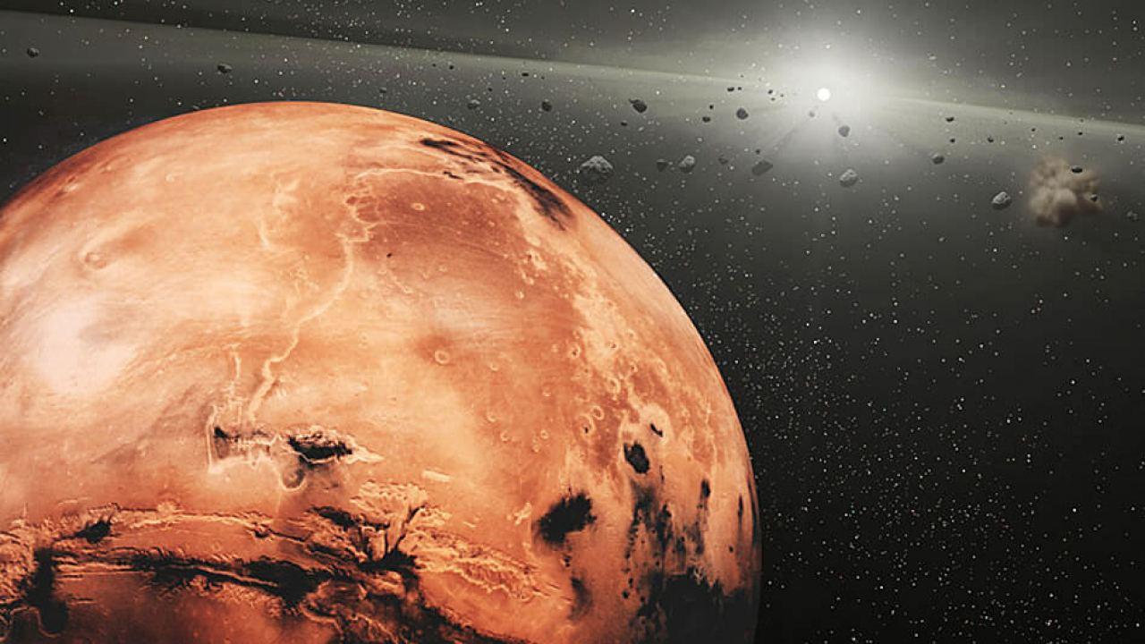 Potencial fragmento rocoso de la Luna es detectado orbitando Marte… ¿Cómo llegó allí?
