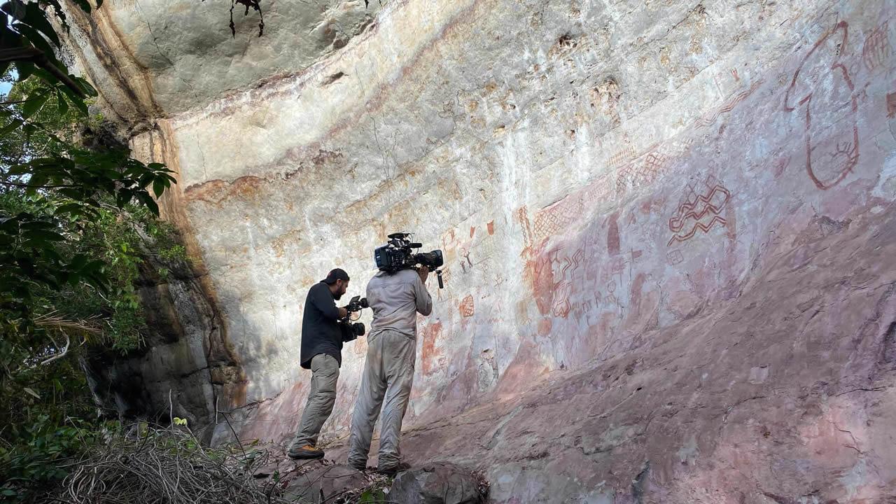Descubren un «muro» de 12 km con pinturas de hace 12.500 años en la selva Amazónica