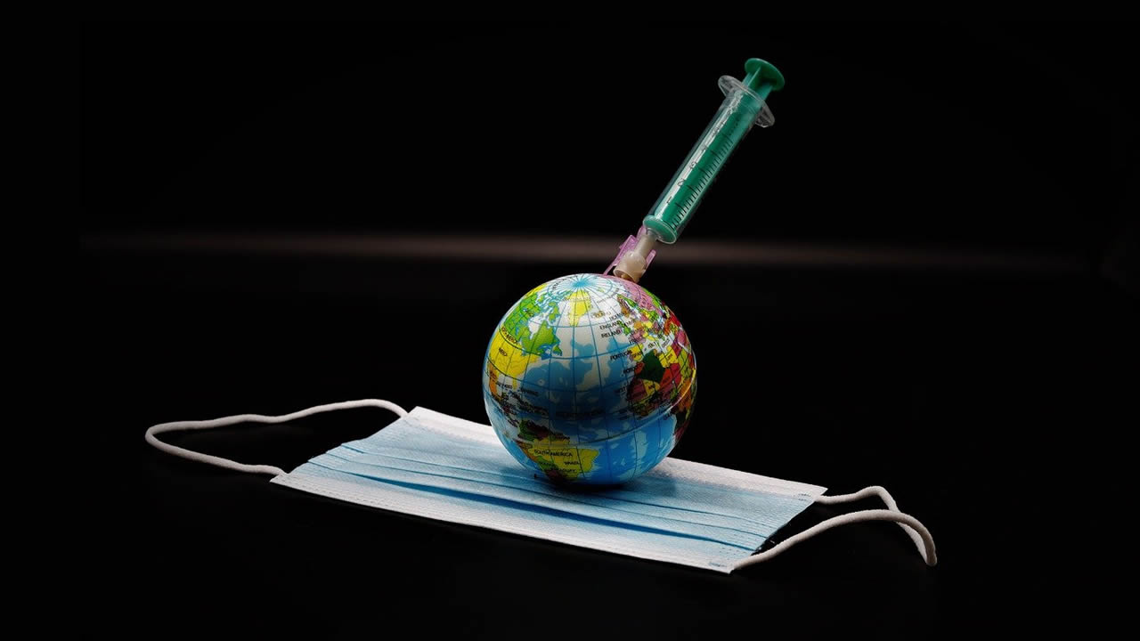 OMS: 70% de la humanidad tendrá que vacunarse para acabar con la pandemia