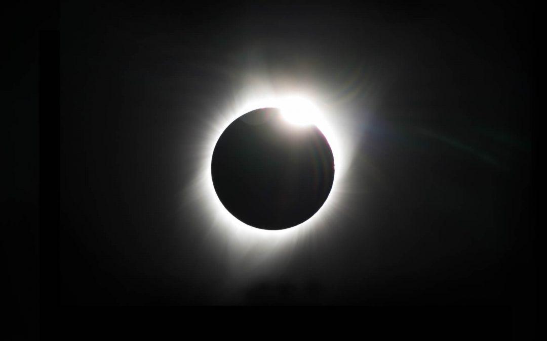 EN VIVO: Eclipse Solar Total en Sudamérica