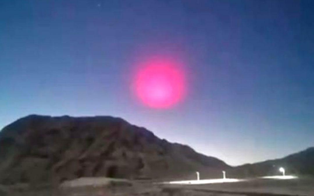 Extraña «esfera rosada» apareció luego de que meteorito cayera en China (VÍDEO)