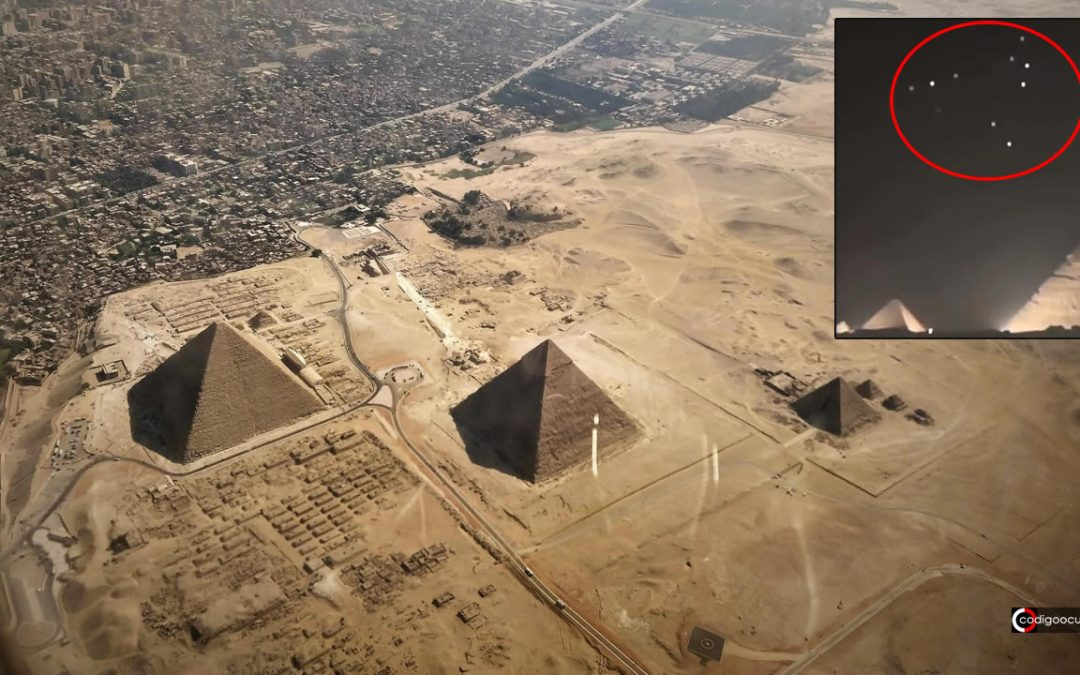 Flota de «No Identificados» aparece sobre las Pirámides de Giza en Egipto (VÍDEO)