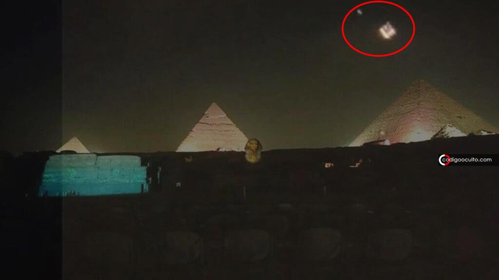 Flota de «No Identificados» aparece sobre las Pirámide de Giza en Egipto