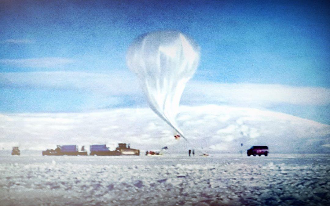 Señales del espacio profundo detectadas en la Antártida desafían toda explicación