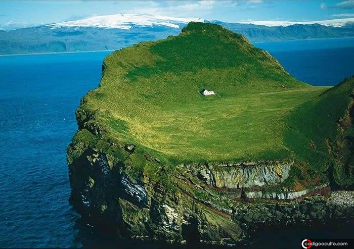 La enigmática casa más solitaria del mundo que fue abandonada hace 100 años