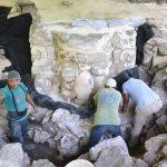 Máscara maya gigante encontrada en Yucatán, México