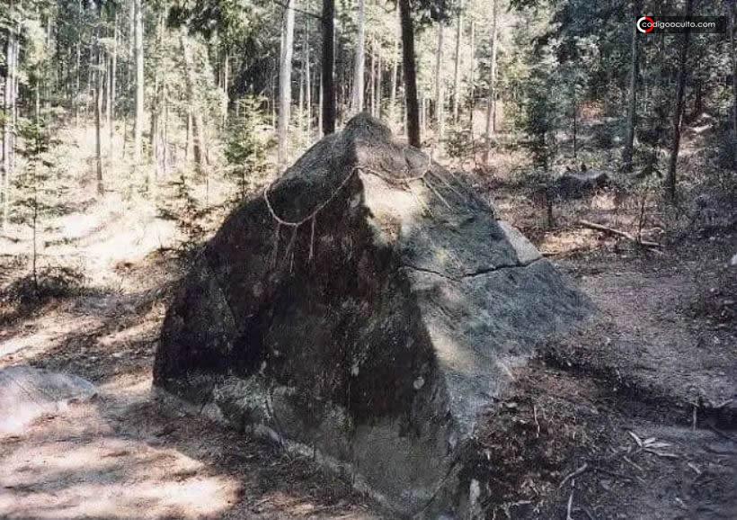 Pirámides del Monte Kasagi en Japón y su conexión con la Atlántida