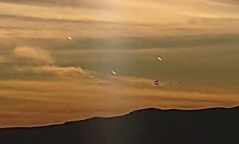 Tres No Identificados aparecen en el cielo del amanecer en San Diego de Alejandría en México