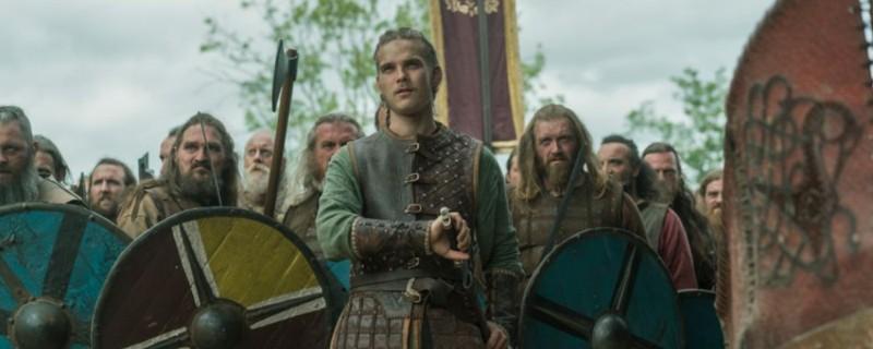 Escena de Hvitserk (Halfdan) en la serie Vikings