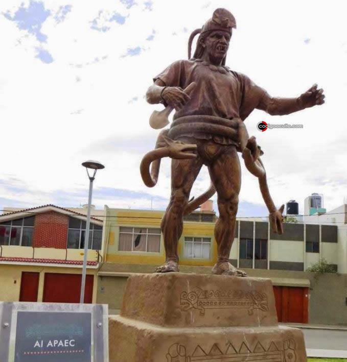 Estatua del legendario héroe mochica, expuesto en el fabuloso paseo Youturque