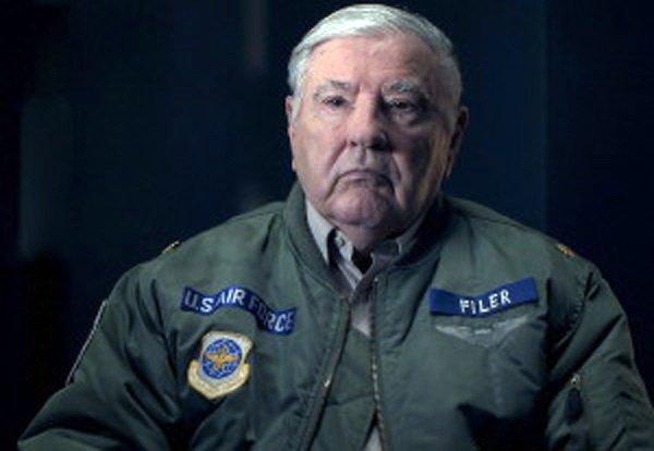 Ex comandante de Fuerza Aérea de EE. UU. revela encuentros con OVNIs