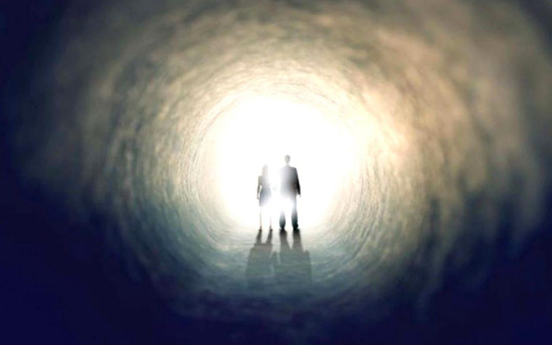 Según neuropsiquiatra: «personas cerca de morir reciben visitas del más allá»