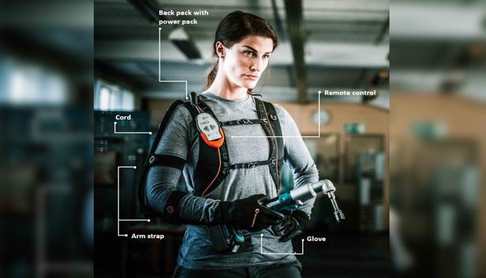 El guante de BioServo asumiría parte de la fuerza empleada para levantar o sujetar algo
