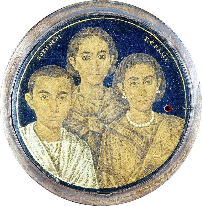 Honoria (a la derecha), con su hermano Valentiniano III y su madre Gala Placidia